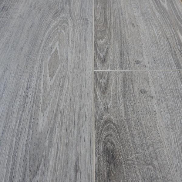 laminaat swiss noblesse elegance new york oak 8014 v4 doehetzelf outlet dronten. Black Bedroom Furniture Sets. Home Design Ideas